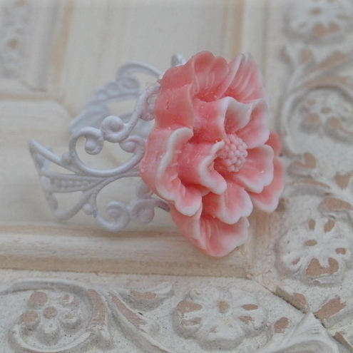 Soft Peachy Pink Flower Rings.....