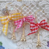 French Chic.. Eiffel Tower Bow Earrings..