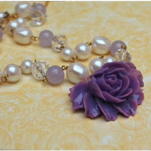 Gorgeous Vintage Style Purple Rose Necklace