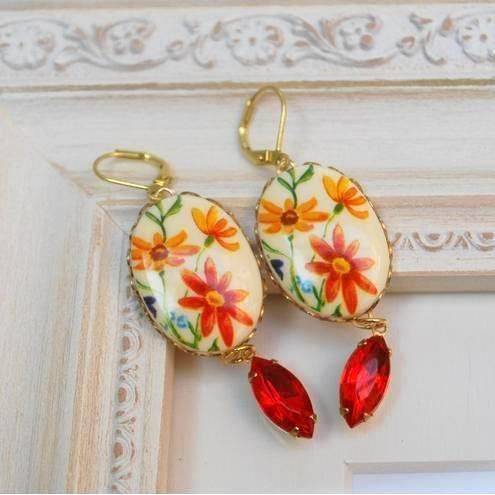 Flower Cabochon Earring........