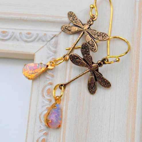 Dainty Dragonfly Earrings....