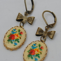 Cute little Bow & Vintage Cameo Earrings