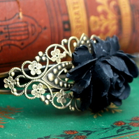 Gorgeous Black Rose Bracelet.......