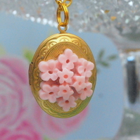 Sweet Lola Locket