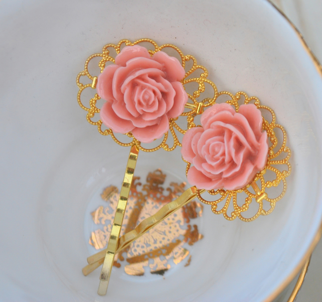Gorgeous English Rose  Bobby Pin Set........
