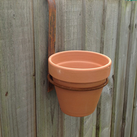 "'Fence Hanger' pot holder with 6"" terracotta pot"