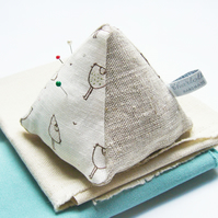LINEN PIN CUSHION - little hens