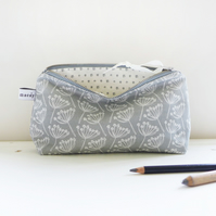 MID POUCH - cow parsley, dove grey