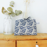 COIN PURSE - cow parsley, navy