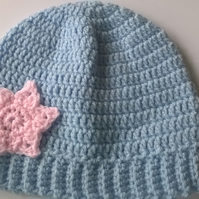 Crochet Rib Beanie with Star Applique