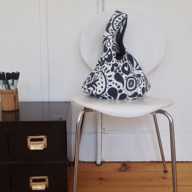 Reversible monochrome hobo bag
