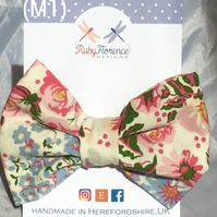 Beautiful Medium fabric hair bow clip (M1)