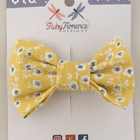 Beautiful Small Fabric Bow Hair Clip (s16)