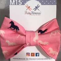 Beautiful Medium fabric hair bow clip (M15)