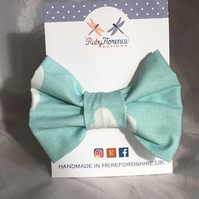 Beautiful Medium Fabric Bow Hair Clip M13