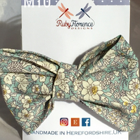 Beautiful Medium Fabric Bow Hair Clip M10