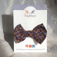 Beautiful Smallfabric hair bow clip (S4)
