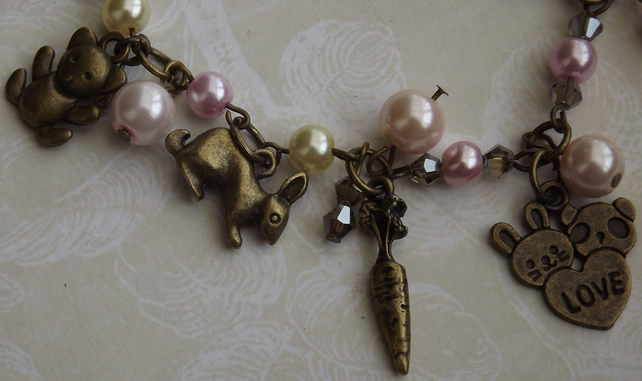 I Heart Animals, Vintage style charm bracelet with faux pearls and animal charms