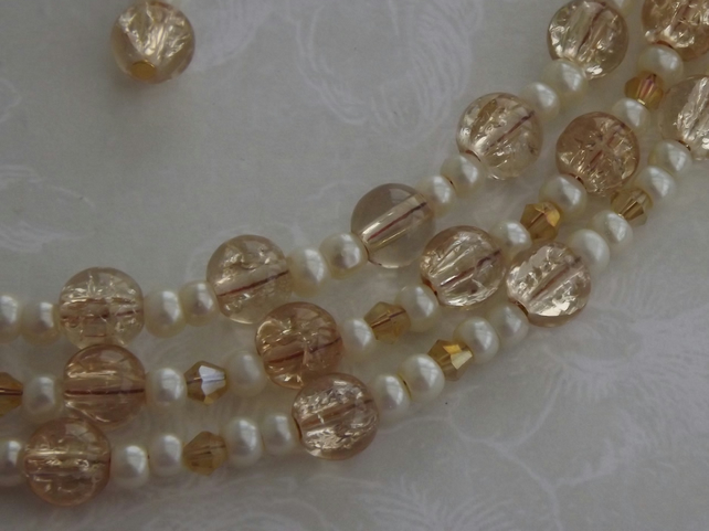 Champagne Bubbles, glass beads and pearls necklace and earring set