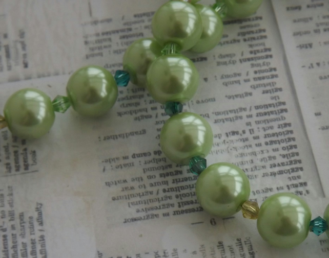 Chunky Pearl Green, glass pearls and crystal necklace