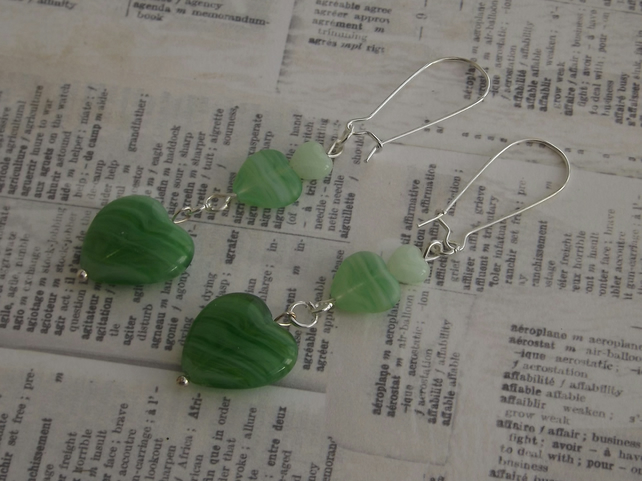 Peppermint Hearts, glass beaded earrings