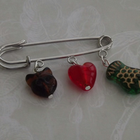 Cats Love, Tabby. Glass charms on Kilt pin brooch