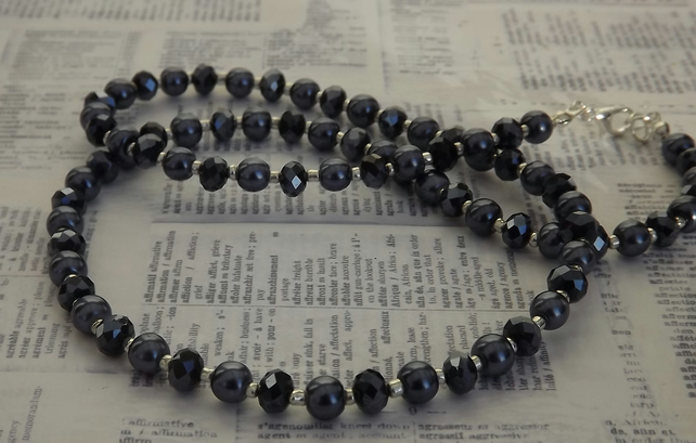 Gunmetal, glass beads and pearl necklace