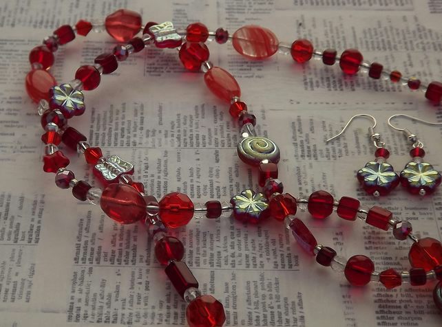 Simply Red, Mixed red glass beads necklace and earring set