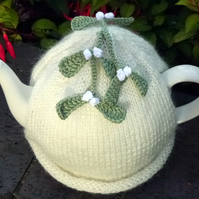 Christmas Mistletoe Tea Cosy