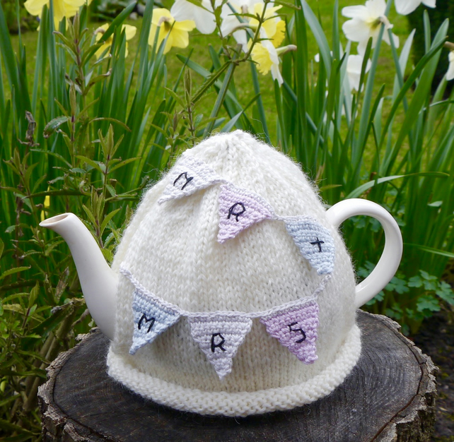 Wedding Tea Cosy Mr and Mrs Bunting