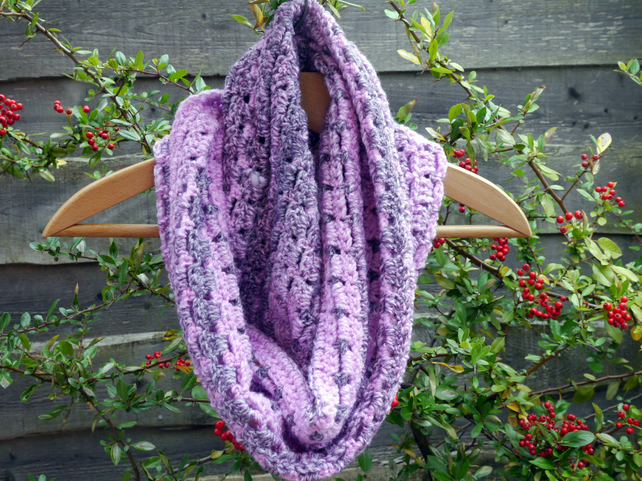 Scarf Crochet Pink and Grey Infinity