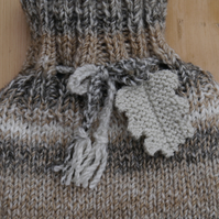 Hot Water Bottle Cosy Oak Leaf Neutral
