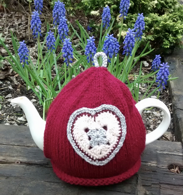 Vintage Crochet Heart Teacosy, Dark Red Tea Cosy