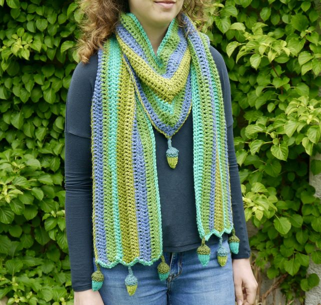 Crochet Acorn Scarf, 'V' Shaped Scarf