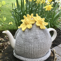 Grey Tea Cosy With Yellow Daffodils