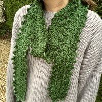 Green Leaf Crochet Scarf