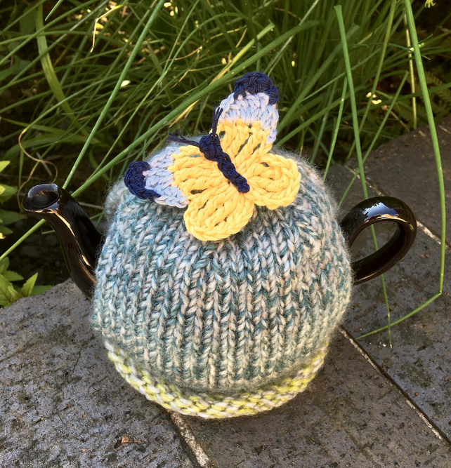 Small One Cup Tea Cosy with Crochet Butterfly