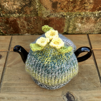 Small Primrose Tea Cosy, One Cup Knitted Tea Cozy with Primroses, Spring Decor