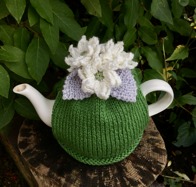 White Poinsettia Tea Cosy, Green Christmas Flower Tea Cozy