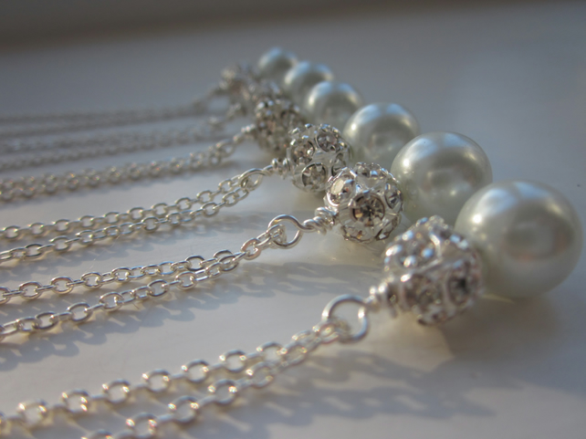 Bridesmaids necklaces set of 5, bridesmaid pearl gift idea