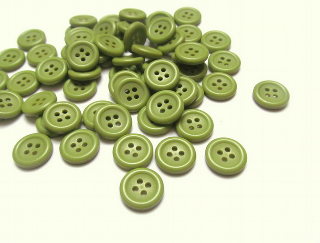 Pack of 20 olive green buttons: 4 hole 15mm plastic buttons for sewing, craft
