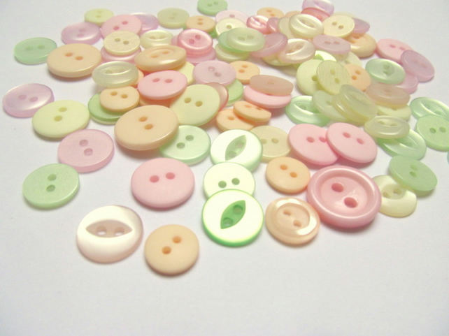 Pack of 100 pastel buttons. Small 2 hole buttons for craft, sewing