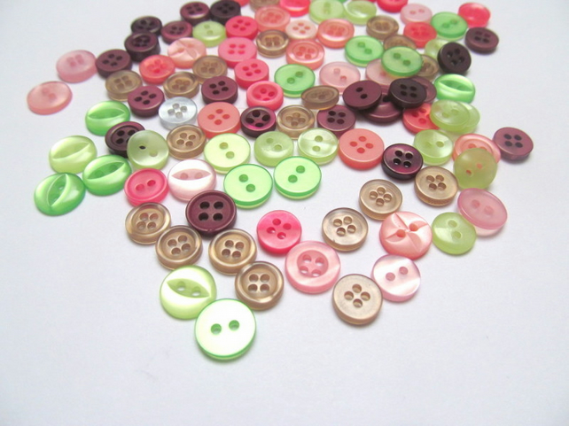 Pack of 100 tiny buttons. Mixed 2 and 4 hole buttons for craft, sewing