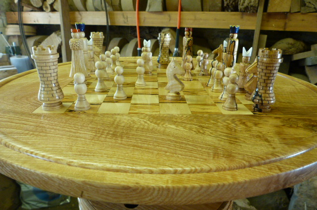 CHESS TABLE WITH CHESS SET