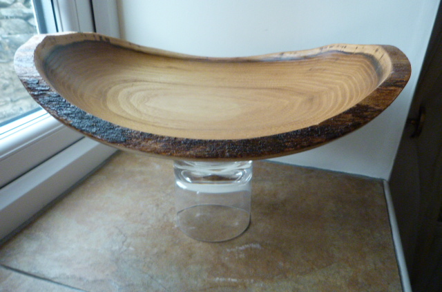 ELLIPTICAL  NATURAL  EDGE   BOWL