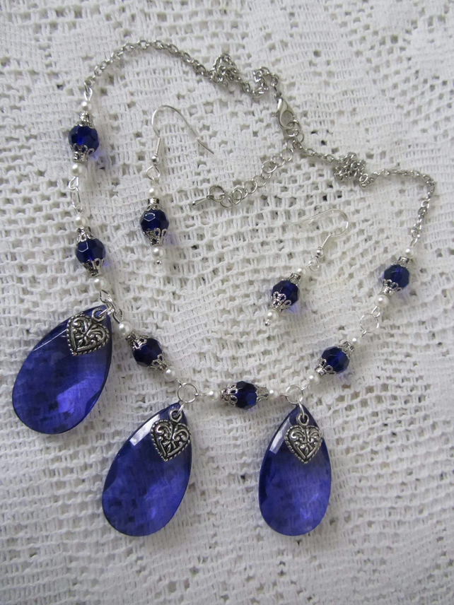 ROYAL BLUE AND WHITE STATEMENT NECKLACE AND EARRINGS