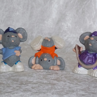 Hand Painted Set Of Three Ceramic Small Grey Mice Children Figurine Ornaments.