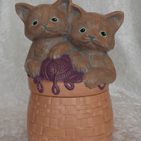 Ceramic Hand Painted Peach Basket Storage Box Kittens Cats Sewing Craft Case.