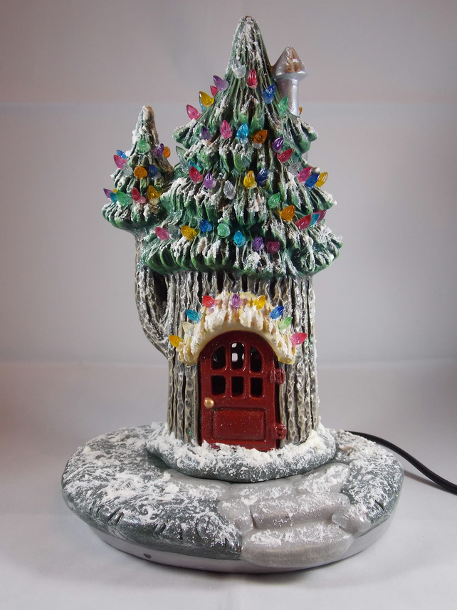 Ceramic Hand Painted Christmas Xmas Snowy Conifer Cottage G9 LED Table Lamp.