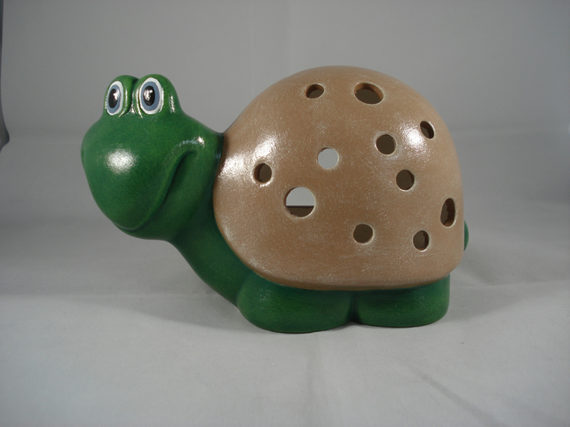 Ceramic Novelty Garden Reptile Tortoise Turtle Tealight Candle Holder Ornament.